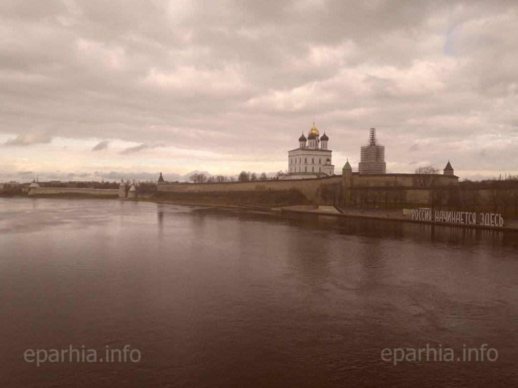 Псковский Кремль фото