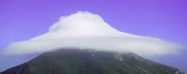Облако на Горе Фавор на день Преображения ото