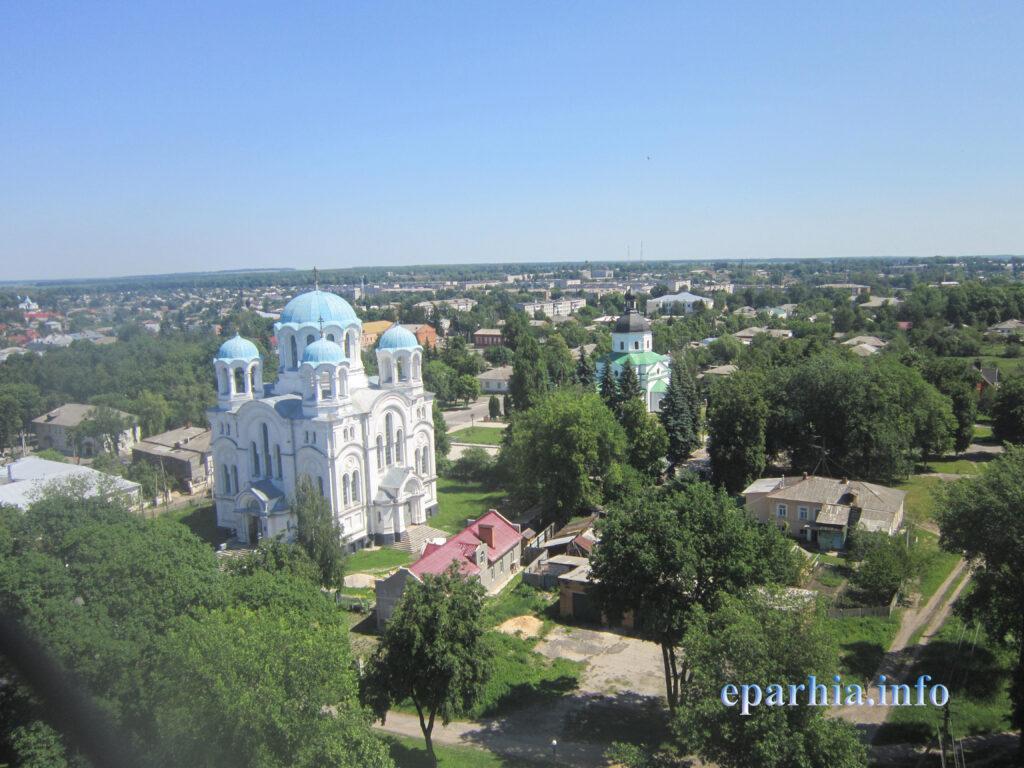 Трех-Анастасиевская церковь г. Глухов вид сверху