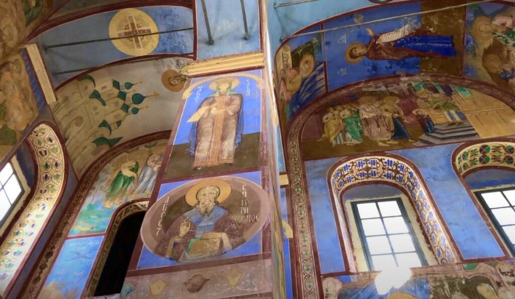 Роспись внутри собора Рождества Богородицы в Боголюбове